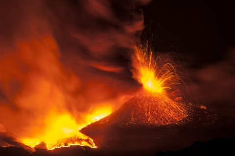 Stampe famose PHOTOFVG / S.Orlando  Etna in eruzione
